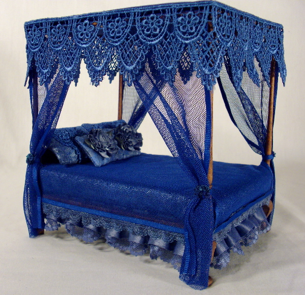 Go Back > Gallery For > Gothic Canopy Bed Curtains